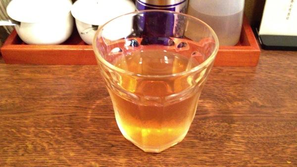 セルフサービスのジャスミン茶